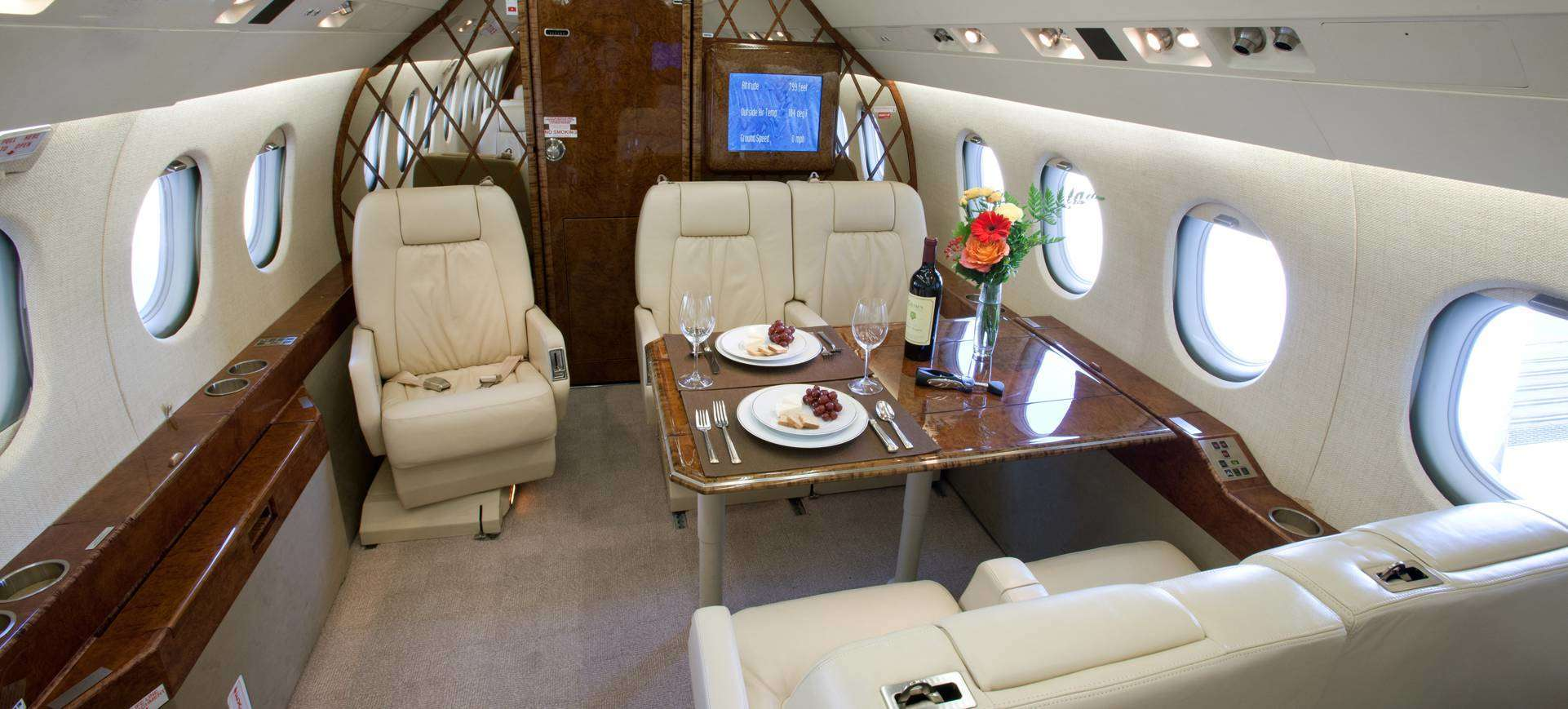 Falcon 2000 table and seating
