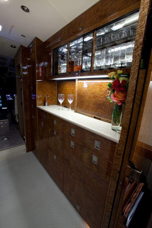 Falcon 2000 bar and galley